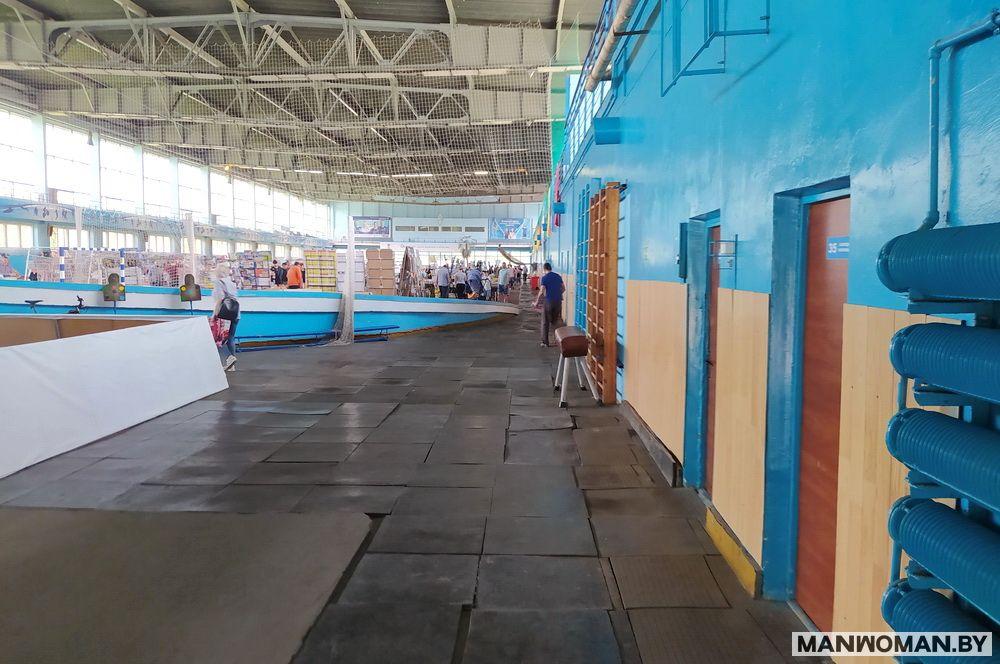 knizhnaya-yarmarka-v-sportkomplekse-dinamo_2