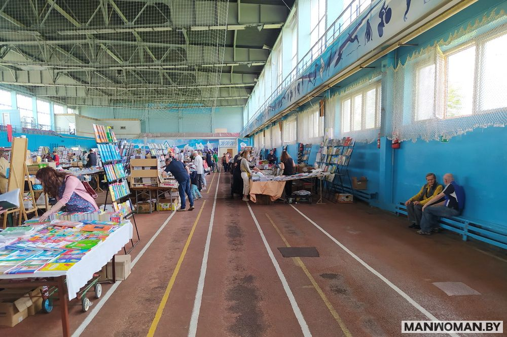 knizhnaya-yarmarka-v-sportkomplekse-dinamo_25